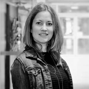 Online Icelandic teacher, Svava Skúladóttir
